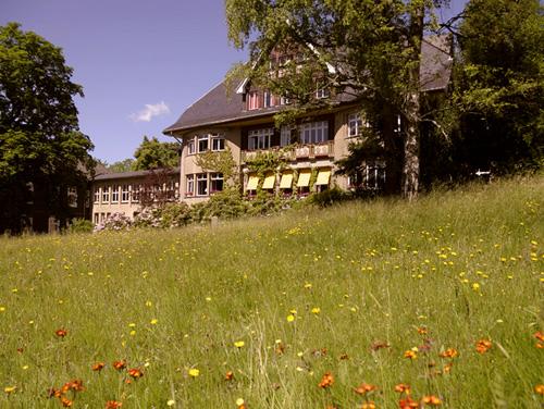 Haupthaus, Park - Krankenhaus Sanatorium Dr. Barner