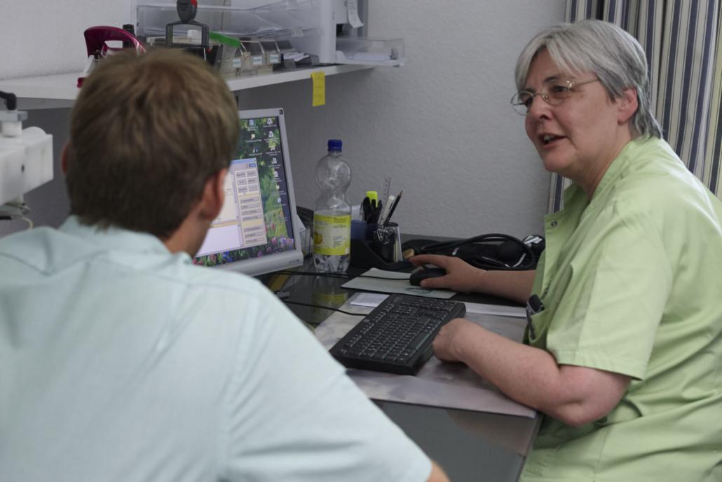 Klinik Dr. Barner - Gespräch mit der Pflege