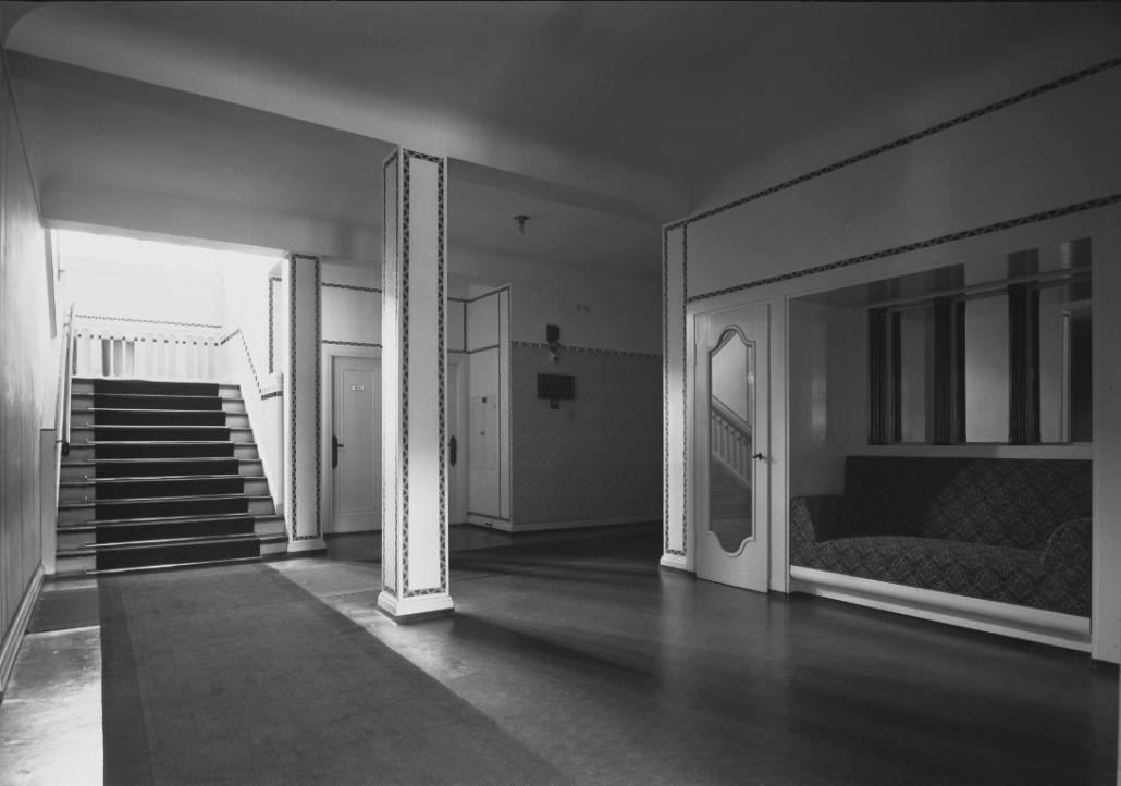 Ehemaliges Sanatorium Dr. Barner - Flur und Wartebereich im Mittelhaus