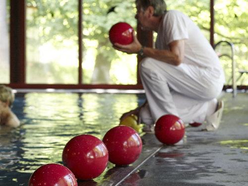 Schwimmbad, Wassergymnastik - Krankenhaus Sanatorium Dr. Barner